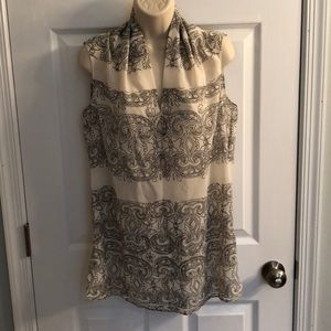 NWT Cabi #3091 scrollwork top, size S
